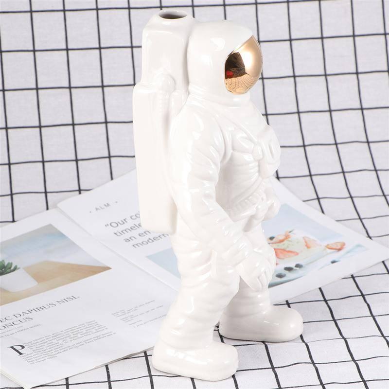 H8f66f9ec188548599aa19f3ea690ba20N Creative Design Astronaut Flower Pots