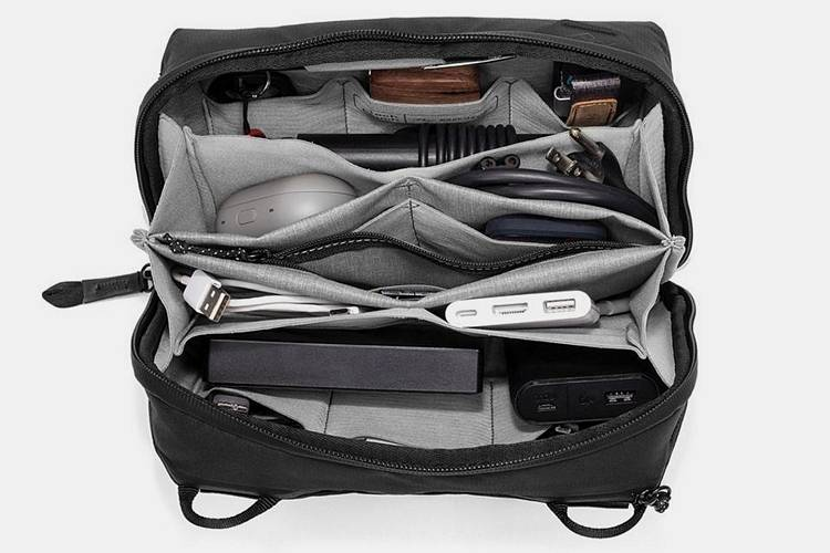 38- Peak Design Tech Bag