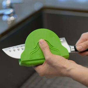 Cool Finger Protecting Knife Cleaner