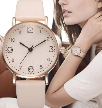 Luxury Leather Band Analog Quartz Watch For Women