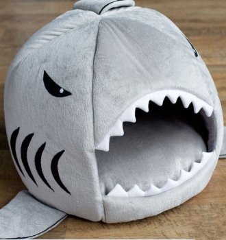 Winter Warm Shark Pet House